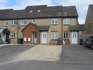 3 bed Flat to rent in Kemble Drive