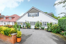 4 bed Bungalow for sale in Brookdene Avenue...