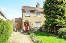 3 bedroom semi detached house in Hills Lane, Northwood...