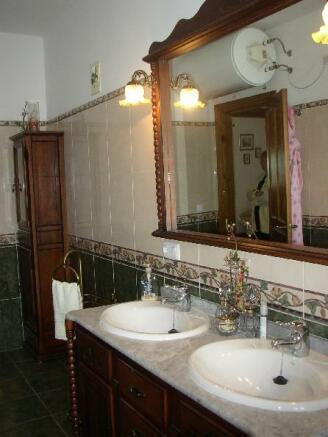 Bathroom villa Nº1