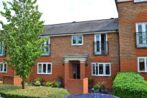 4 bed Terraced house in 39, Chaucer Close...