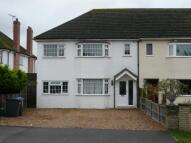Flat to rent in SCHOOL LANE, Addlestone...