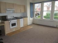 Studio flat to rent in Alexandra Park Road...
