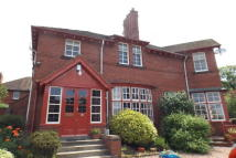2 bed Flat in Albany Grove...