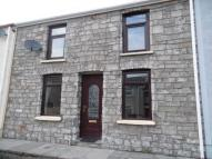 2 bedroom house to rent in Clive Place Trecynon...