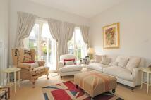 Apartment in Sinclair Road Kensington...