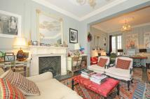 4 bed Apartment to rent in Okehampton Road Kensal...