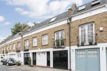 2 bed house to rent in Royal Crescent Mews...