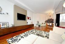 2 bedroom Flat in Woodstock Grove...