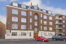 Flat to rent in Sheen Road, Richmond...