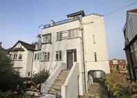 2 bedroom Flat in High Park Road, Kew...