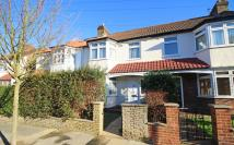 3 bedroom property to rent in Manor Grove, Richmond