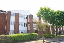 Flat to rent in Lambert Avenue, Richmond