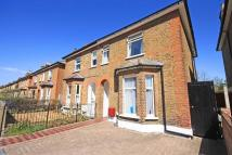 4 bed property in Manor Road, Richmond...