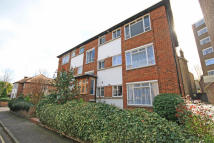 Flat to rent in Lichfield Gardens...
