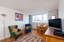 Flat for sale in Grittleton Road...