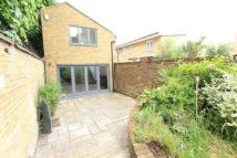 3 bedroom Detached house in Abney Gardens, London...