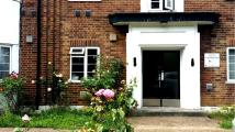 Flat in Great West Road TW5