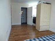 Studio apartment to rent in Northumberland Road...