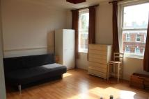 Flat to rent in Cricklewood Broadway NW2...
