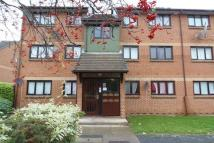 Flat to rent in Maltby Drive, Enfield...