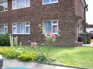 Maisonette to rent in Mayfield, Bexleyheath...
