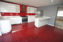 3 bed semi detached property to rent in Orchard Rise West...