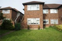 2 bed Maisonette to rent in Robina Close...