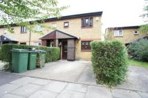 End of Terrace property to rent in Temple Close, London...