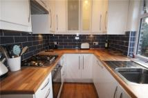 Maisonette to rent in Queens Road, Welling...