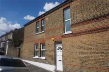 2 bed Flat in Griffin Road, London...
