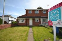 3 bedroom semi detached property to rent in Guns Lane...