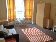 2 bedroom Flat to rent in Sholebroke Terrace...