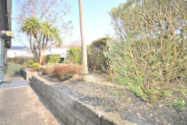 FRont garden borders