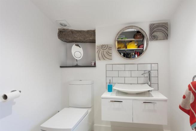 Cloakroom with WC