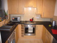 2 bedroom Ground Flat to rent in Royal Drive, Fulwood...