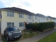 Town House to rent in Melmore Gardens...
