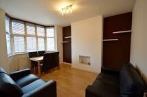 2 bed Flat to rent in Vivian Avenue, Hendon...