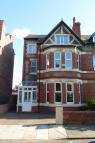 6 bedroom semi detached house to rent in Dunraven Road...
