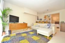 Studio apartment in Newington Green Road...