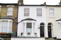 Ground Flat in Hollydale Road, London...
