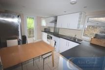 6 bed Terraced house in Parolles Road, Archway...