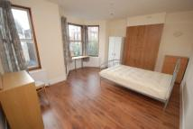 4 bed Terraced house in The Grove, Palmers Green...