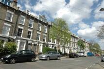 Terraced home in Fairbridge Road London
