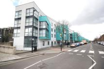 Flat to rent in Drayton Park, Holloway...