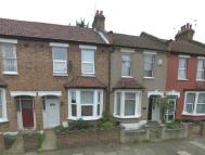 4 bedroom Terraced house in Oxford Road, Enfield, EN3