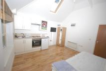 Studio apartment in Pirbright Road, London...