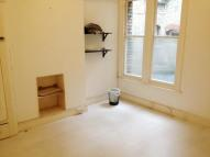 Flat to rent in Green Lanes, London, N21