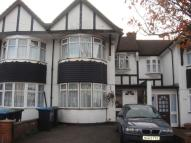 4 bed Terraced house in Chequers Way, London, N13
