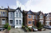 5 bedroom Terraced house to rent in Chigwell Road...